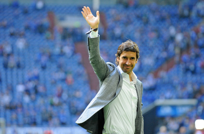 GELSENKIRCHEN, GERMANY - APRIL 15: Raul gestures prior to the Bundesliga match between FC Schalke 04 and Borussia Dortmund at Veltins-Arena on April 15, 2018 in Gelsenkirchen, Germany. (Photo by TF-Images/Getty Images)