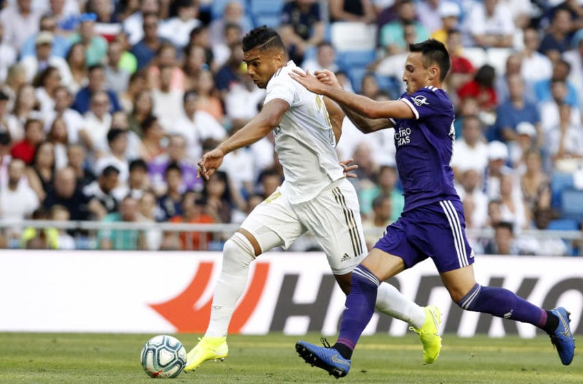 MADRID, SPAIN - AUGUST 24: Carlos Henrique Casemiro of Real Madrid controls the ball during the La Liga match between Real Madrid and Real Valladolid at Estadio Santiago Bernabeu on August 24, 2019 in Madrid, Spain. (Photo by TF-Images/Getty Images)
