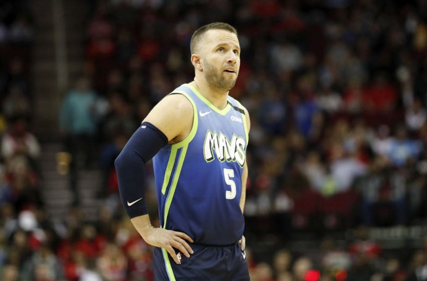 Dallas Mavericks J.J. Barea (Photo by Tim Warner/Getty Images)