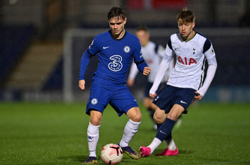 Lewis Bate of Chelsea and Jack Clarke of Tottenham Hotspur (Photo by Justin Setterfield/Getty Images)