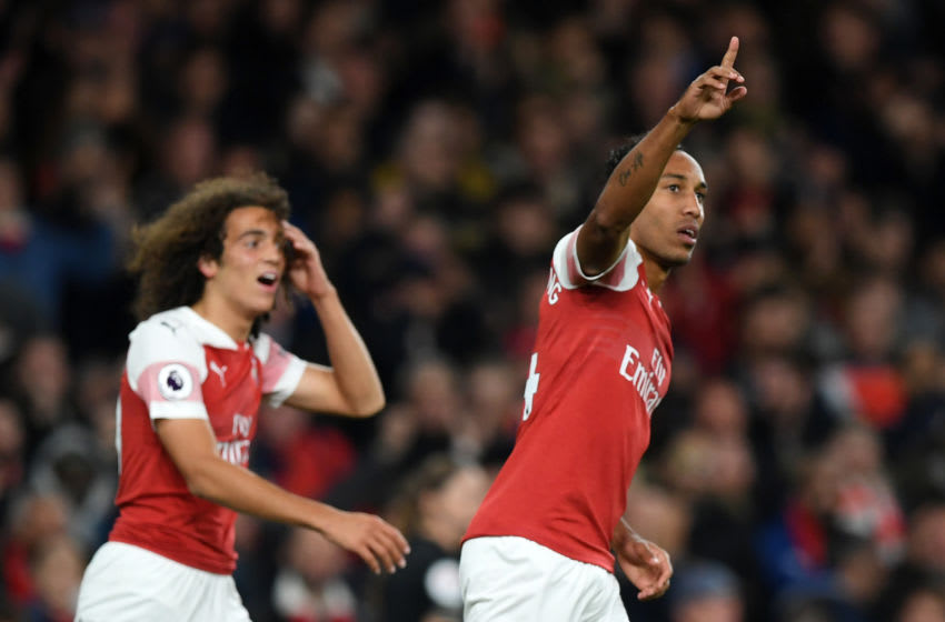 LONDON, ENGLAND - OCTOBER 22: Pierre-Emerick Aubameyang of Arsenal celebrats after scoring his sides second goal during the Premier League match between Arsenal FC and Leicester City at Emirates Stadium on October 22, 2018 in London, United Kingdom. (Photo by Shaun Botterill/Getty Images)