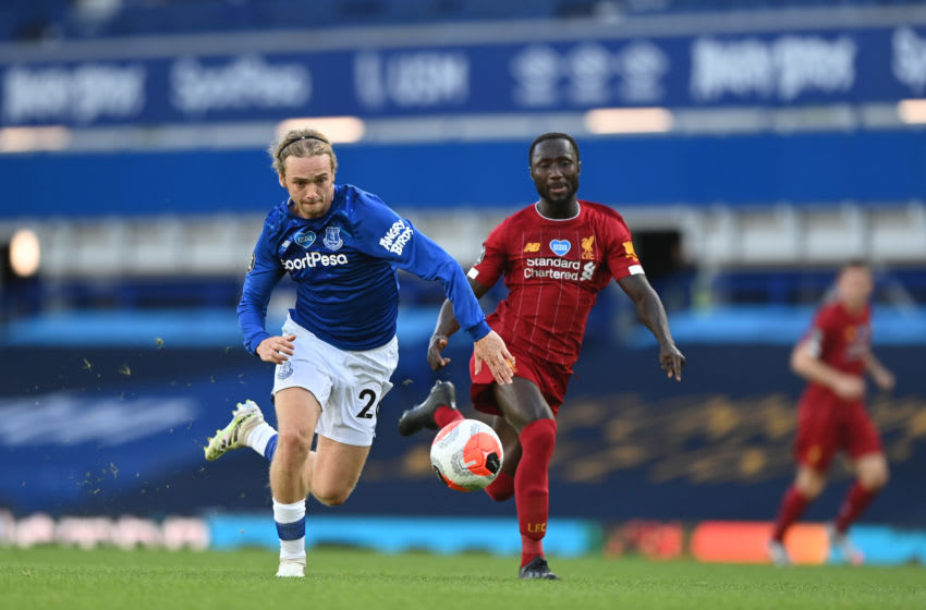 Tom Davies of Everton battles for possession with Naby Keita of Liverpool (Photo by Shaun Botterill/Getty Images)