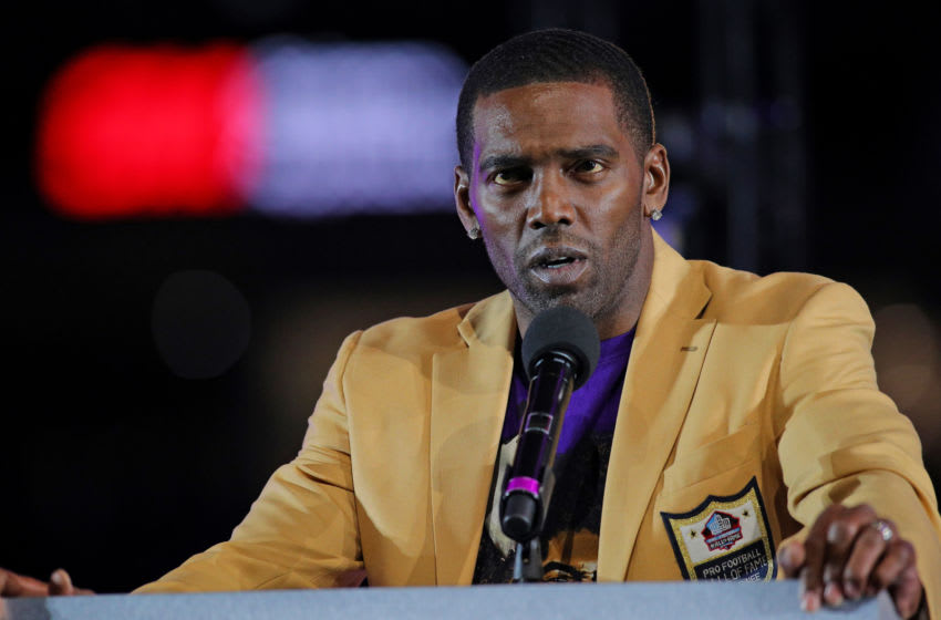 (Photo by Adam Bettcher/Getty Images) Randy Moss