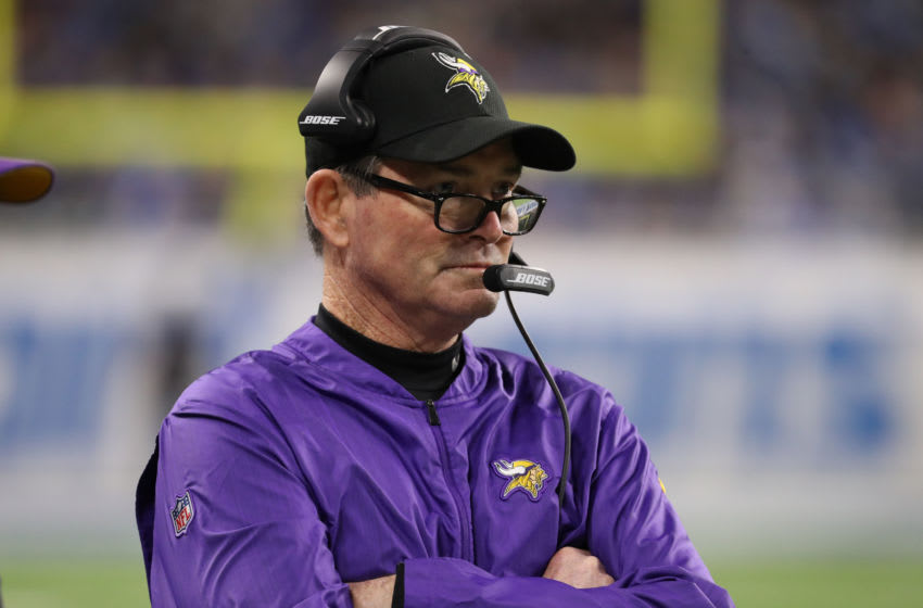(Foto oleh Leon Halip / Getty Images) Mike Zimmer