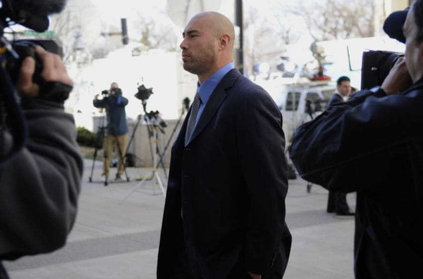 SAINT PAUL, MN - APRIL 6: Linebacker Ben Leber of the Minnesota Vikings arrives for a hearing at the U.S. Courthouse on April 6, 2011 in Saint Paul, Minnesota. NFL players have filed an antitrust lawsuit against the NFL owners after labor talks between the two broke down last month. (Photo by Hannah Foslien/Getty Images)