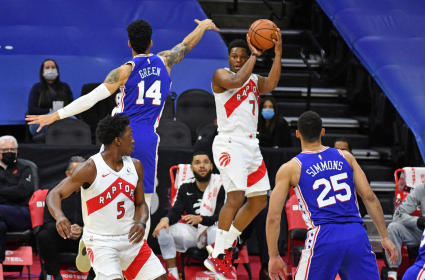 Toronto Raptors guard Kyle Lowry (7) looks to pass the ball against Philadelphia 76ers guard Danny Green (14). (Eric Hartline-USA TODAY Sports)