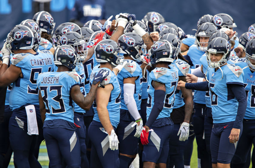 NASHVILLE, TN - OCTOBER 25: The Tennessee Titans huddle together before a game against the Pittsburgh Steelers at Nissan Stadium on October 25, 2020 in Nashville, Tennessee. The Steelers defeated the Titans 27-24. (Photo by Wesley Hitt/Getty Images)