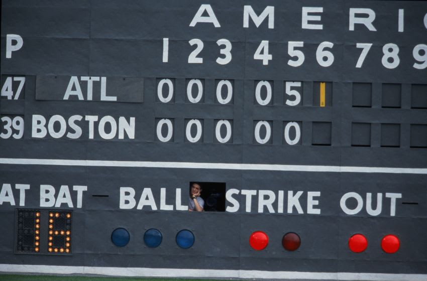It's time for some Atlanta Braves runs! (Mandatory Credit: Ezra Shaw /Allsport)
