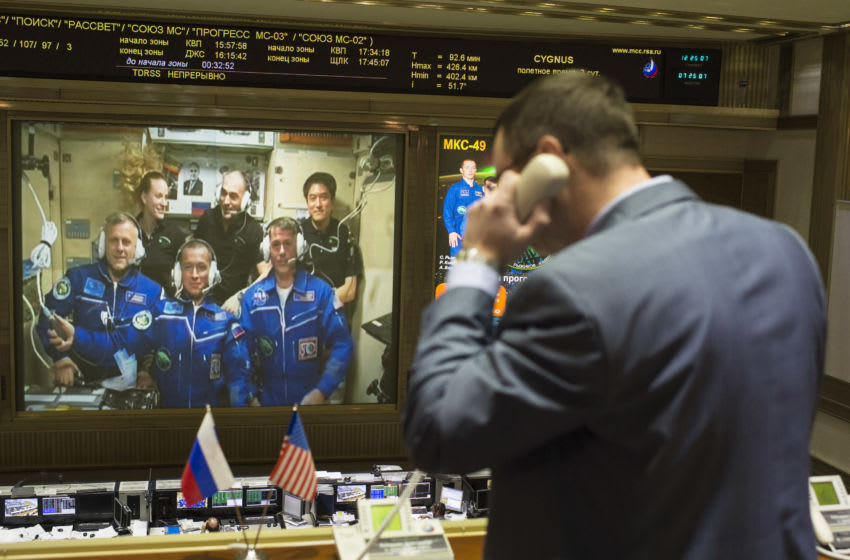 Atlanta Braves fan and astronaut Col. Shane Kimbrough is front left in this group shot of an ISS crew call from 2016. (Photo by Joel Kowsky/NASA via Getty Images)