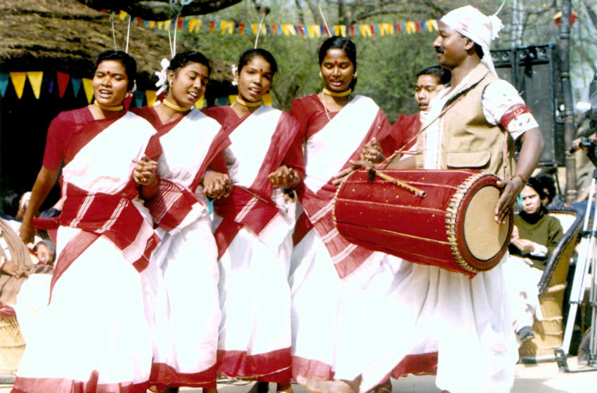 A group of folk dancers from Arunachal Pradesh (eastern part of India) enjoy themselves at a Suraj Kund craft fair, February 1st, 1998. (photo by T.C.Malhotra)