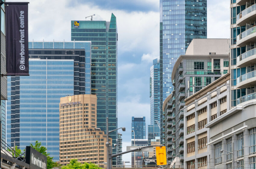 TORONTO, ONTARIO, CANADA - 2020/08/01: Intercontinental Hotel surrounded by other buildings in the downtown district. (Photo by Roberto Machado Noa/LightRocket via Getty Images)