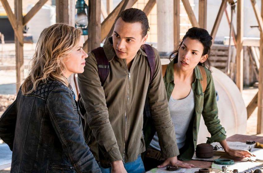 Kim Dickens, Frank Dillane and Danay Garcia in Fear the Walking Dead (2015) season 4. Photo: Richard Foreman Jr/AMC