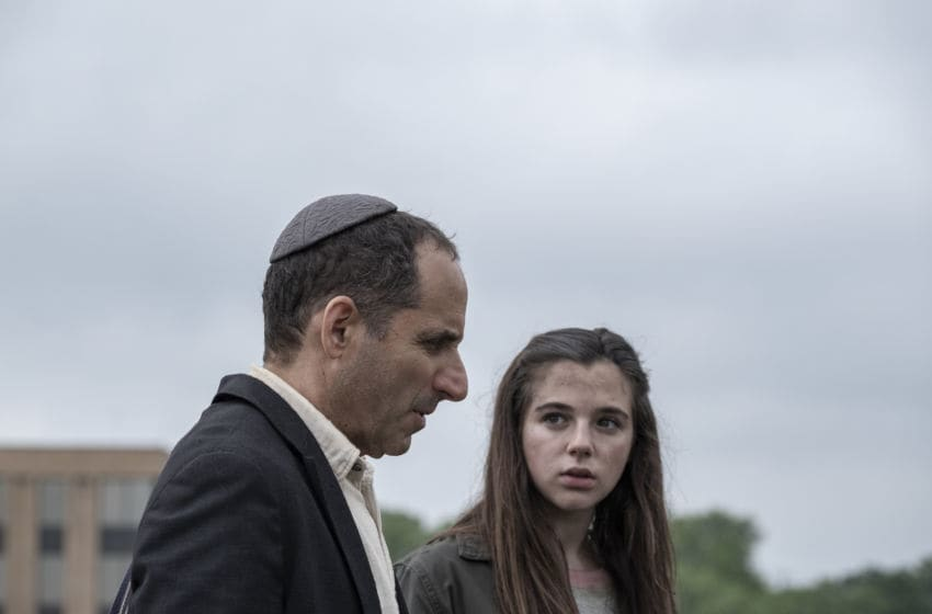 Alexa Nisenson as Charlie, Peter Jacobson as Rabbi Jacob Kessner - Fear the Walking Dead _ Season 5, Episode 12 - Photo Credit: Van Redin/AMC