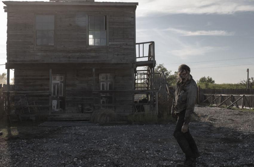 Fear the Walking Dead _ Season 5, Episode 16 - Photo Credit: Van Redin/AMC