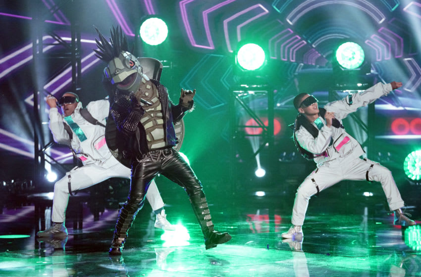 """THE MASKED SINGER: The Turtle in the """"Masking for a Friend: Group A"""" episode of THE MASKED SINGER airing Wednesday, Feb 12 (8:00-9:01 PM ET/PT) on FOX. Cr: Michael Becker / FOX. © 2020 FOX MEDIA LLC."""