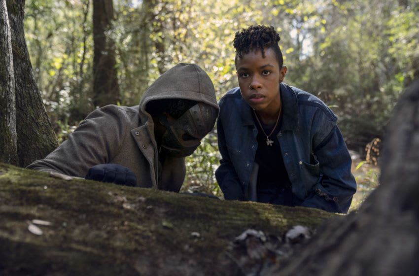 Okea Eme-Akwari as Elijah, Angel Theory as Kelly - The Walking Dead _ Season 10, Episode 17 - Photo Credit: Eli Ade/AMC