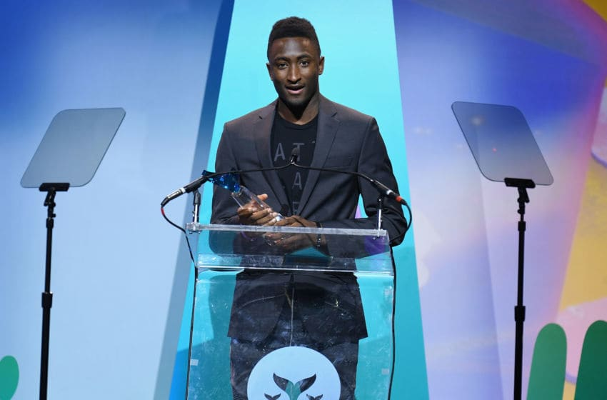 NEW YORK, NY - APRIL 15: Marques Brownlee accepts the award for Creator of the Decade onstage during the 10th Annual Shorty Awards at PlayStation Theater on April 15, 2018 in New York City. (Photo by Dave Kotinsky/Getty Images for Shorty Awards)