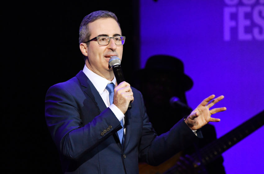 John Oliver Phoenix Suns (Photo by Mike Coppola/Getty Images for The Bob Woodruff Foundation)