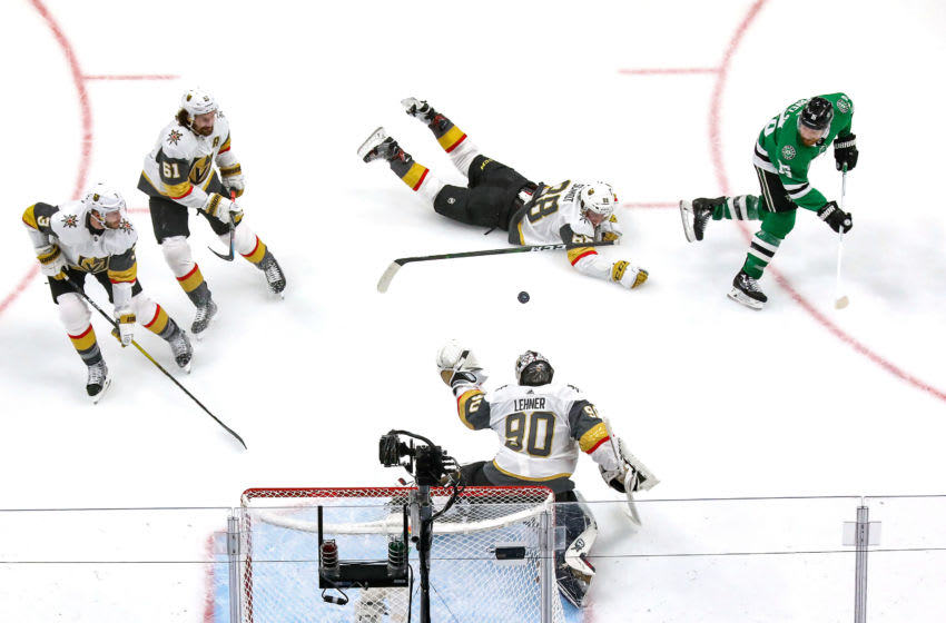 Joe Pavelski #16 of the Dallas Stars scores a goal past Robin Lehner #90 of the Vegas Golden Knights during the second period in Game Four of the Western Conference Final. (Photo by Bruce Bennett/Getty Images)