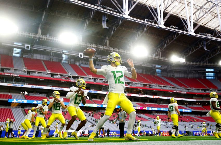 Oregon quarterback Tyler Shough (Image via The Register Guard)