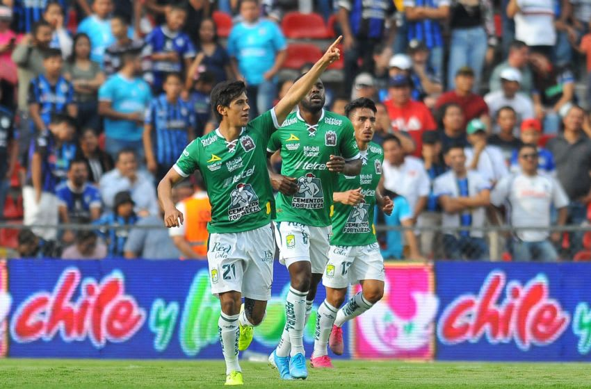 León handed Querétaro their first loss and knocked them from the ranks of the undefeated. (Photo by VICTOR CRUZ / AFP) (Photo credit should read VICTOR CRUZ/AFP/Getty Images)