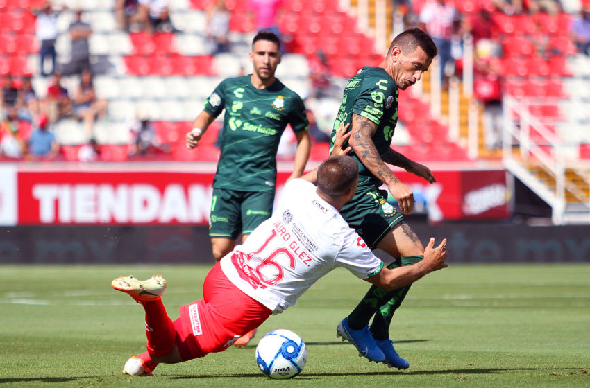 Necaxa fell out of the spot after a draw while Santos moved back to No. 1, a position it has become familiar with. (Photo by Oscar Meza/Jam Media/Getty Images)