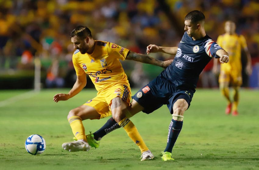 América midfielder takes a swipe at Tigres striker André-Pierre Gignac during their Liga MX match on Matchday 6 which ended in a 1-1 draw. (Photo by Alfredo Lopez/Jam Media/Getty Images)