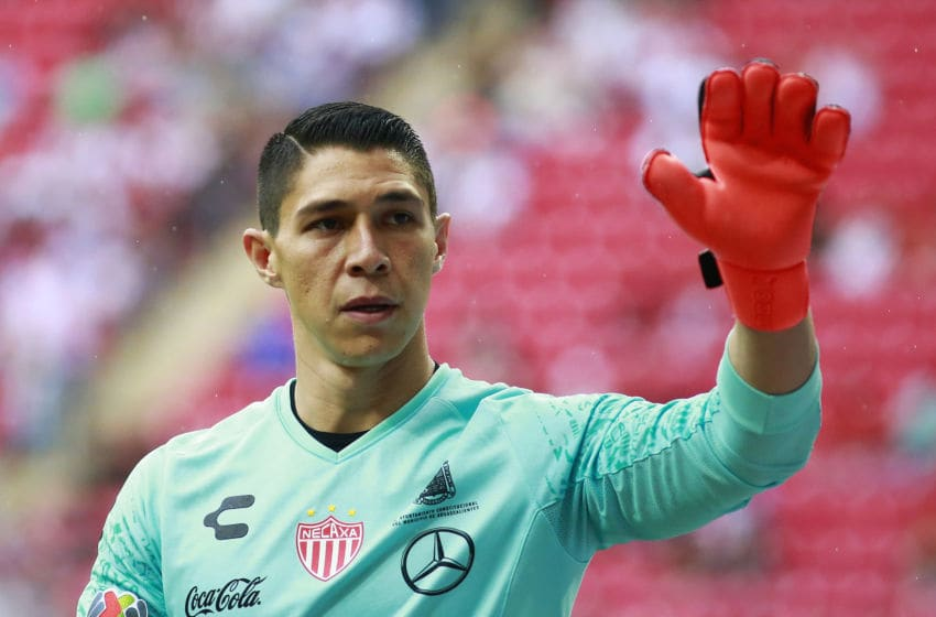 ZAPOPAN, MEXICO - AUGUST 25: Goalkeeper Hugo Gonzalez of Necaxa waves to the crowd during the 6th round match between Chivas and Necaxa as part of the Torneo Apertura 2019 Liga MX at Akron Stadium on August 25, 2019 in Zapopan, Mexico. (Photo by Alfredo Moya/Jam Media/Getty Images)