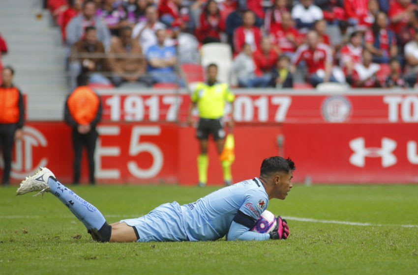 Toluca's Alfredo Talavera was the Man of the Match, making eight saves including one on a penalty kick. (Photo by Angel Castillo/Jam Media/Getty Images)
