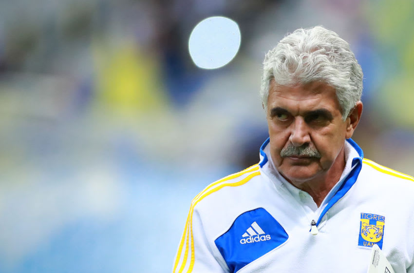 MEXICO CITY, MEXICO - JANUARY 18: Ricardo Ferretti, head coach of Tigres looks on during the 2nd round match between America and Tigres UANL as part of the Torneo Clausura 2020 Liga MX at Azteca Stadium on January 18, 2020 in Mexico City, Mexico. (Photo by Hector Vivas/Getty Images)