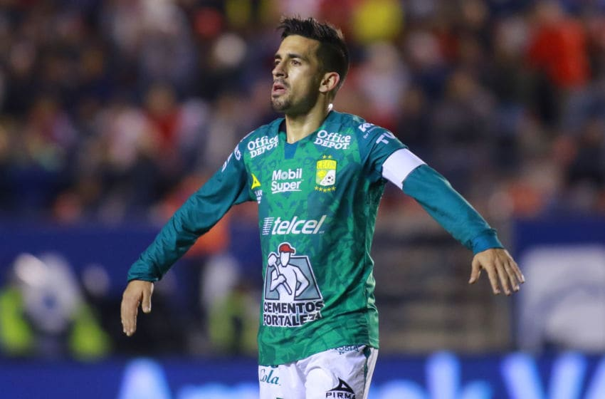 SAN LUIS POTOSI, MEXICO - FEBRUARY 14: Fernando Navarro of Leon gestures during the 6th round match between Atletico San Luis and Leon as part of the Torneo Clausura 2020 Liga MX at Estadio Alfonso Lastras on February 14, 2020 in San Luis Potosi, Mexico. (Photo by Cesar Gomez/Jam Media/Getty Images)