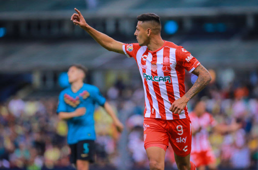 MEXICO CITY, MEXICO - FEBRUARY 29: Mauro Quiroga #09 of Necaxa celebrates the second goal of his team during the 8th round match between America and Neaxa as part of the Torneo Clausura 2020 Liga MX at Azteca Stadium on February 29, 2020 in Mexico City, Mexico. (Photo by Manuel Velasquez/Getty Images)