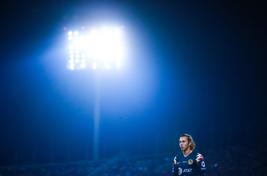MEXICO CITY, MEXICO - MARCH 06: Francisco Córdova #17 of america looks on during the 9th round match between Pumas UNAM and America as part of the Torneo Clausura 2020 Liga MX at Olimpico Universitario Stadium on March 06, 2020 in Mexico City, Mexico. (Photo by Hector Vivas/Getty Images)