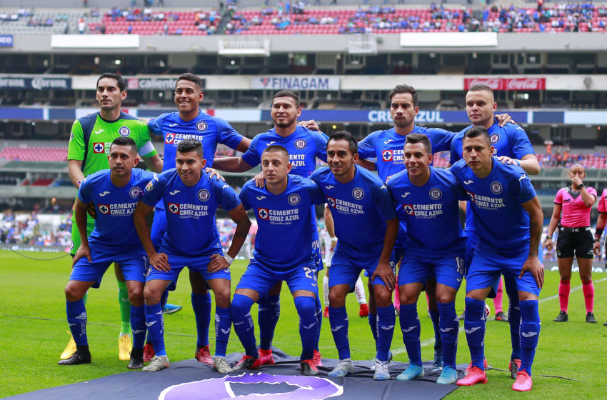 MEXICO CITY, MEXICO - MARCH 07: Players of Cruz Azul pose for team photo prior to the 9th round match between Cruz Azul and Tijuana as part of the Torneo Clausura 2020 Liga MX at Azteca Stadium on March 7, 2020 in Mexico City, Mexico. (Photo by Mauricio Salas/Jam Media/Getty Images)