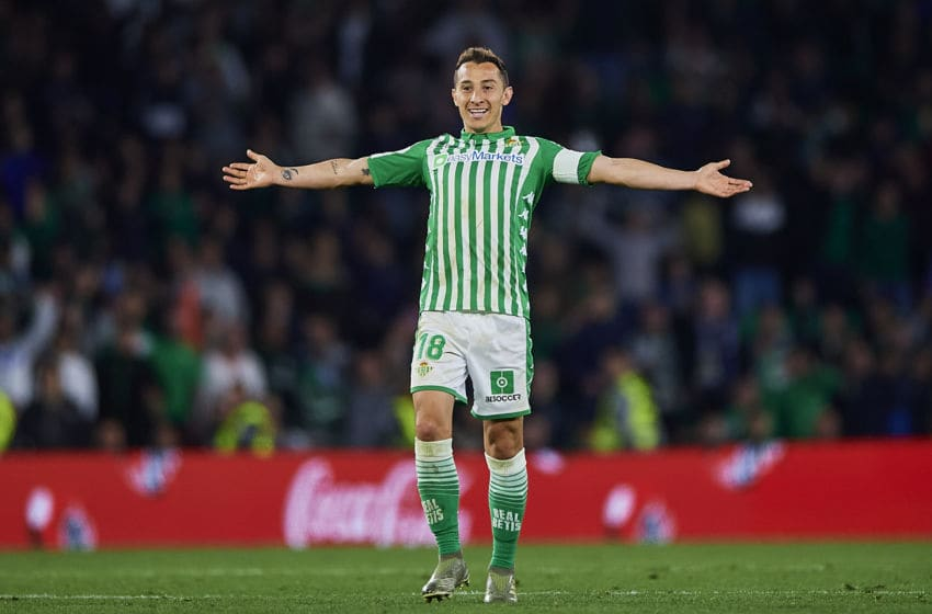 SEVILLE, SPAIN - MARCH 08: Andres Guardado of Real Betis Balompie reacts during the Liga match between Real Betis Balompie and Real Madrid CF at Estadio Benito Villamarin on March 08, 2020 in Seville, Spain. (Photo by Silvestre Szpylma/Quality Sport Images/Getty Images)