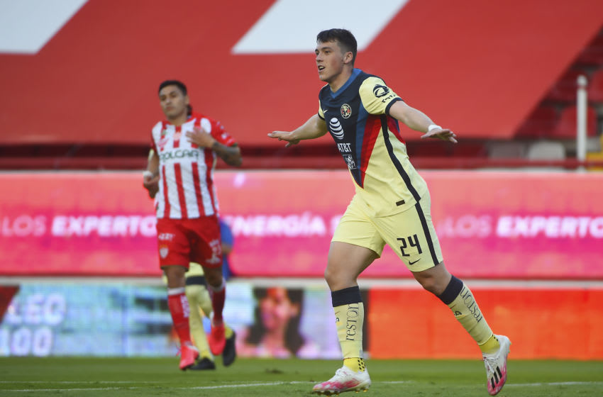 AGUASCALIENTES, MEXICO - AUGUST 07: Federico Vinas #24 of America celebrates after scoring the first goal of his team during the 3rd round match between Necaxa and America as part of the Torneo Guard1anes 2020 Liga MX at Victoria Stadium on August 7, 2020 in Aguascalientes, Mexico. (Photo by Omar Martinez Martinez/Getty Images)