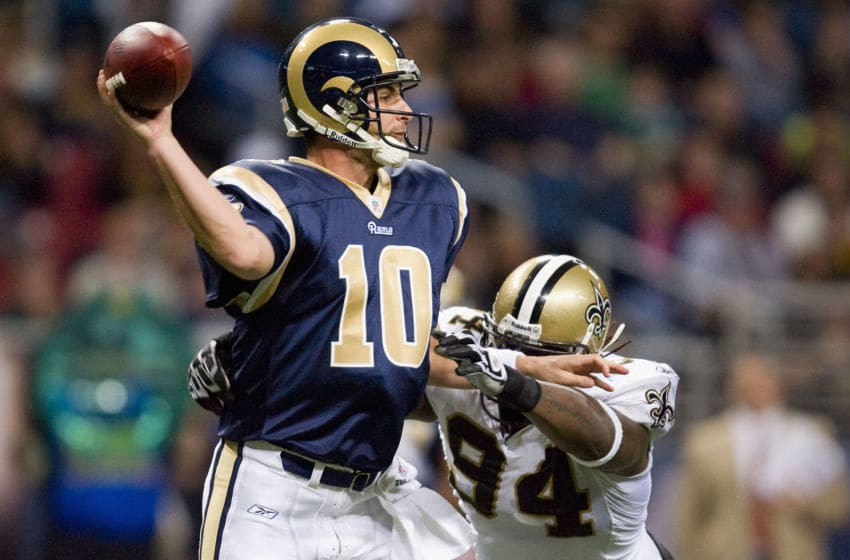 ST. LOUIS - NOVEMBER 15: Marc Bulger #10 of the St. Louis Rams passes against the New Orleans Saints at the Edward Jones Dome on November 15, 2009 in St. Louis, Missouri. The Saints beat the Rams 28-23. (Photo by Dilip Vishwanat/Getty Images)