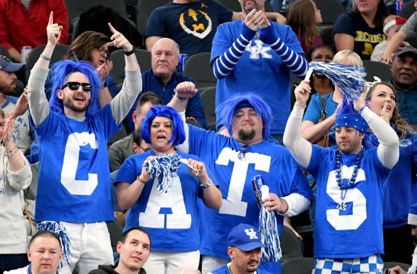 LAS VEGAS, NEVADA - DECEMBER 21: Kentucky Wildcats fans cheer during the team's game against the Ohio State Buckeyes during the CBS Sports Classic at T-Mobile Arena on December 21, 2019 in Las Vegas, Nevada. The Buckeyes defeated the Wildcats 71-65. (Photo by Ethan Miller/Getty Images)
