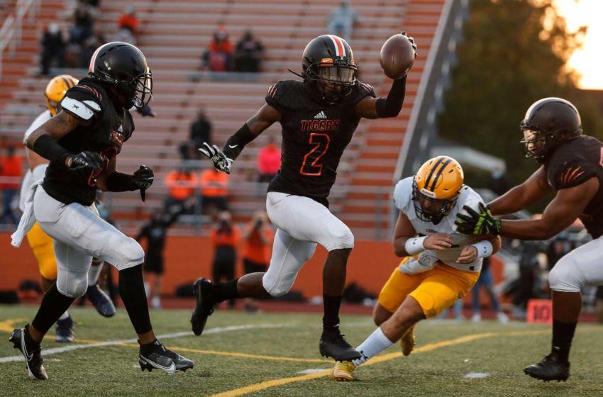 Belleville defensive back Jeremiah Caldwell.