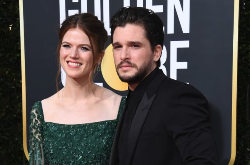 BEVERLY HILLS, CALIFORNIA - JANUARY 05: (L-R) Rose Leslie and Kit Harington attend the 77th Annual Golden Globe Awards at The Beverly Hilton Hotel on January 05, 2020 in Beverly Hills, California. (Photo by Jon Kopaloff/Getty Images)