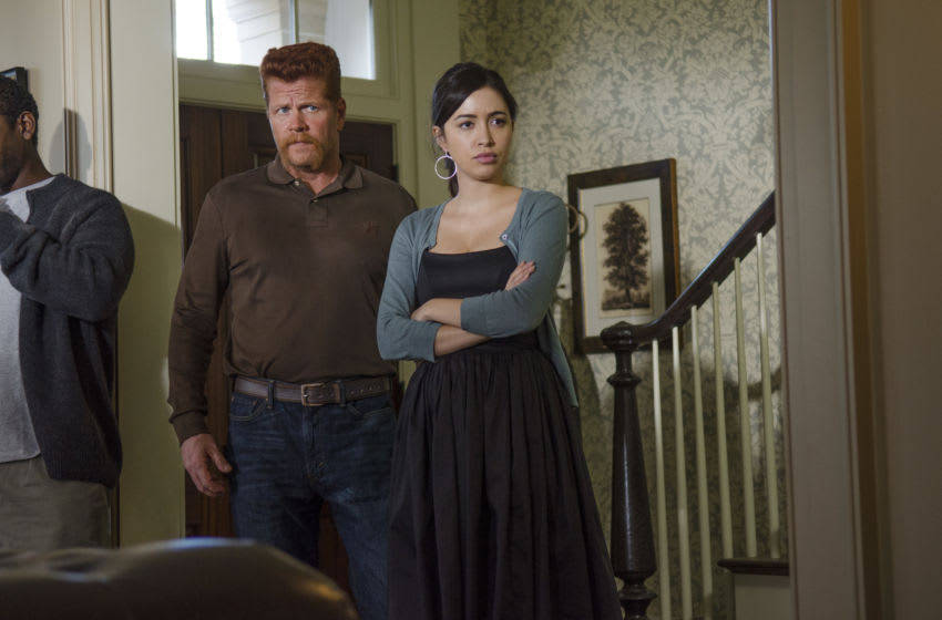 Michael Cudlitz as Abraham and Christian Serratos as Rosita Espinosa - The Walking Dead _ Season 5, Episode 13 - Photo Credit: Gene Page/AMC