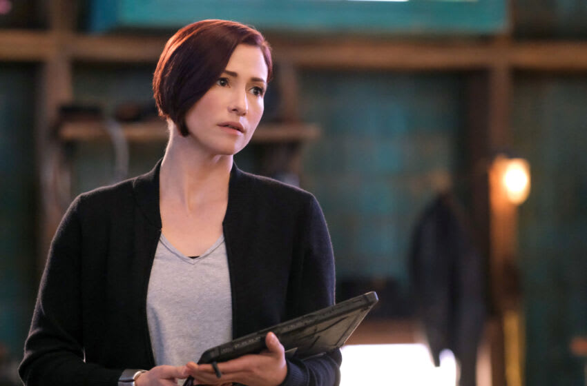 """Supergirl -- """"Still I Rise"""" -- Image Number: SPG610b_0069r -- Pictured: Chyler Leigh as Alex Danvers -- Photo: Bettina Strauss/The CW -- © 2021 The CW Network, LLC. All Rights Reserved."""