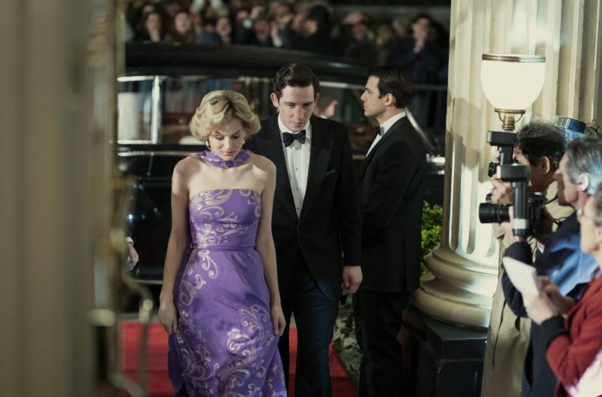 La imagen muestra: Priness Diana (EMMA CORRIN) y el Príncipe Carlos (JOSH O CONNOR).  Imagen cortesía de Ollie UptonNetflix