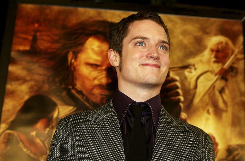 LOS ANGELES - DECEMBER 3: Actor Elijah Wood arrives at the premiere of