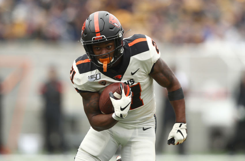 BERKELEY, CALIFORNIA - OCTOBER 19: Artavis Pierce #21 of the Oregon State Beavers runs with the ball against the California Golden Bears at California Memorial Stadium on October 19, 2019 in Berkeley, California. (Photo by Ezra Shaw/Getty Images)