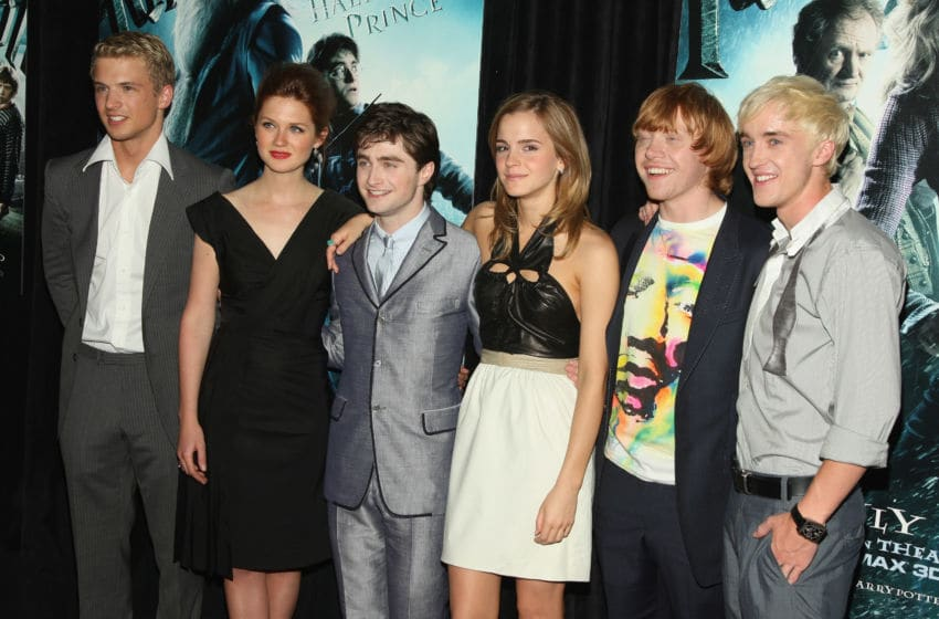 NEW YORK - JULY 09: (L-R) Actors Freddie Stroma, Bonnie Wright, Daniel Radcliffe, Emma Watson, Rupert Grint and Tom Felton attend the