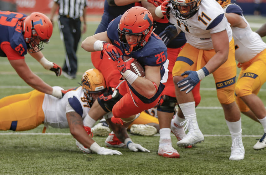 CHAMPAIGN, IL - SEPTEMBER 01: Mike Epstein #26 of the Illinois Fighting Illini dives into the end zone to score during the game against the Kent State Golden Flashes at Memorial Stadium on September 1, 2018 in Champaign, Illinois. Illinois defeated Kent State 31-24. (Photo by Michael Hickey/Getty Images)
