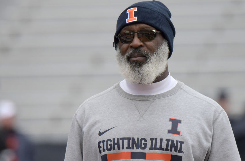 CHAMPAIGN, IL. - NOVEMBER 02: Illinois head football coach Lovie Smith watches his team warm up before a Big Ten Conference football game between the Rutgers Scarlet Knights and the Illinois Fighting Illini on November 02, 2019, at Memorial Stadium, Champaign, IL. (Photo by Keith Gillett/Icon Sportswire via Getty Images)