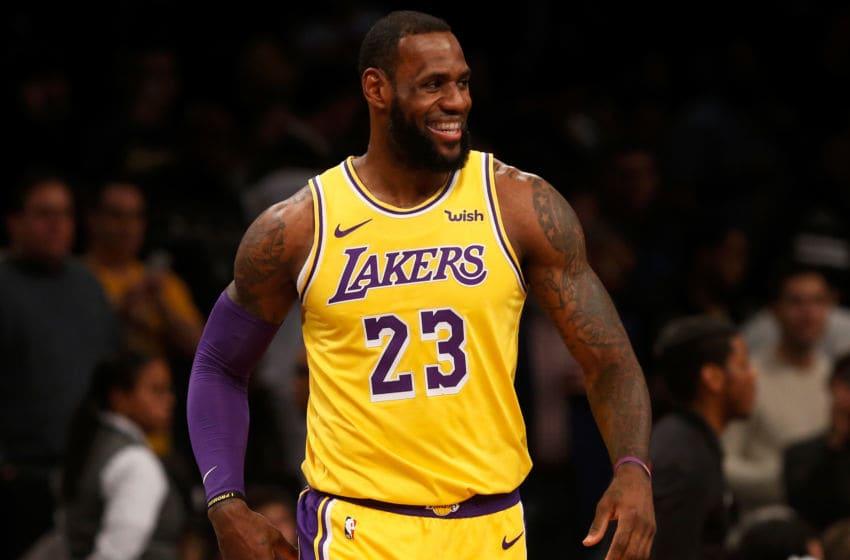 LeBron James renovou contrato com o Lakers de US$ 85 milhões em 2 anos - Jim McIsaac/Getty Images