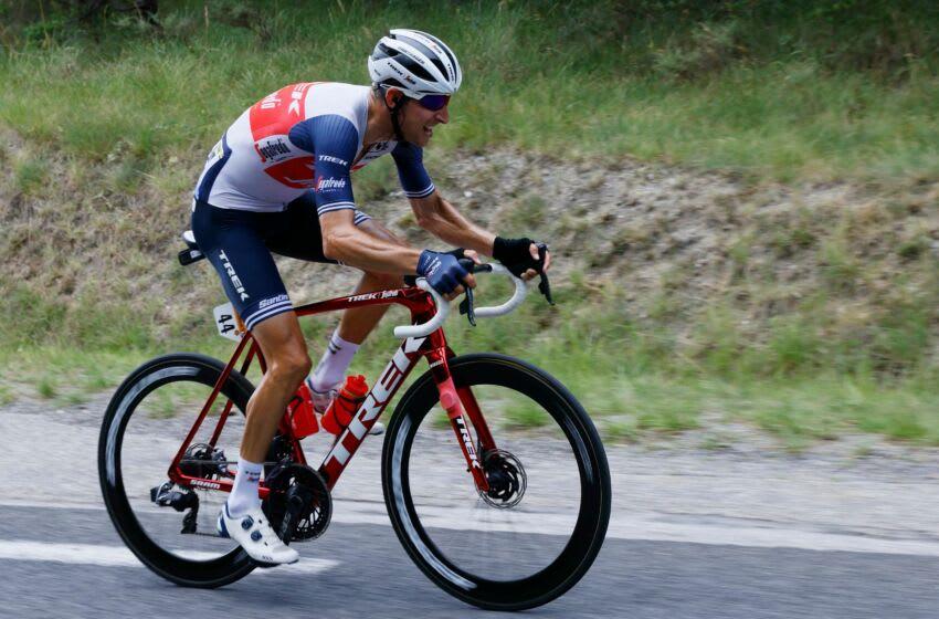 Bauke Mollema wins Stage 14 of Tour de France